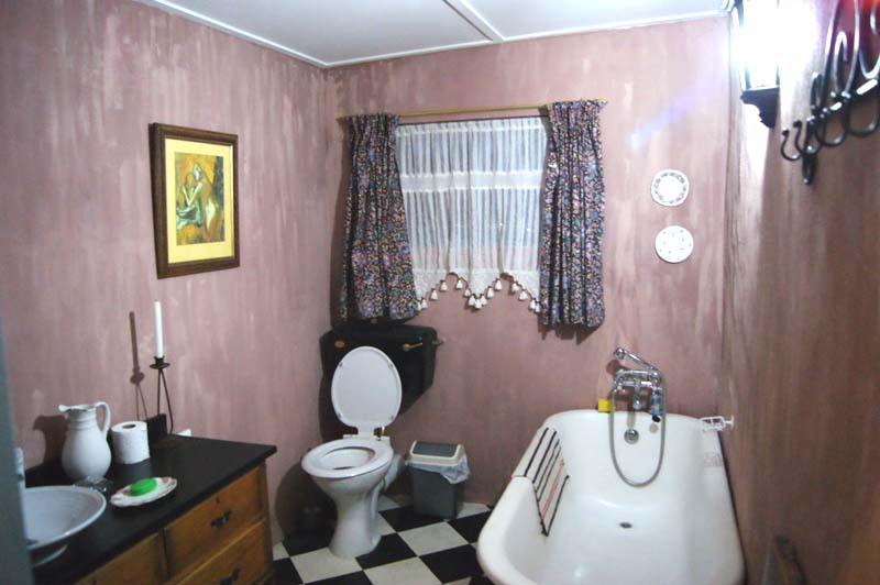 Gumtree Cottage bathroom